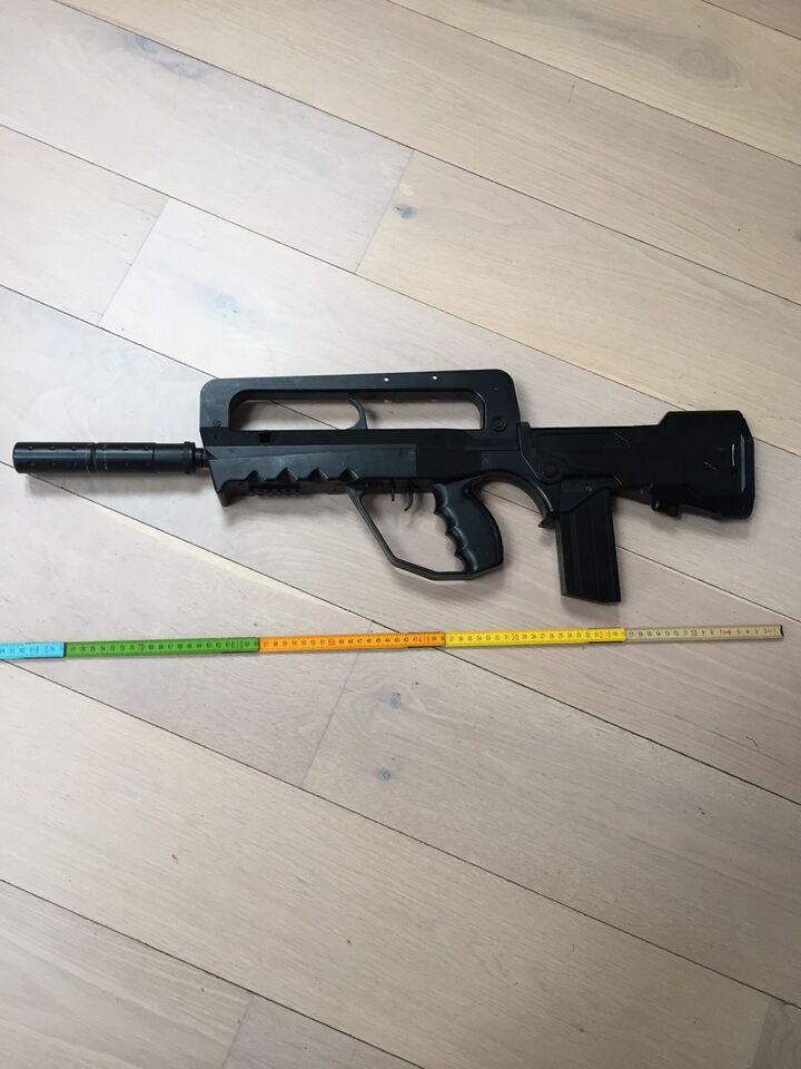 Våben, Airsoft gun , Famas