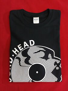 NEW-ONLINE-IT-039-S-THE-OFFICIAL-VINTAGE-1972-RECORD-HEAD-T-SHIRT-Sizes-S-M-L