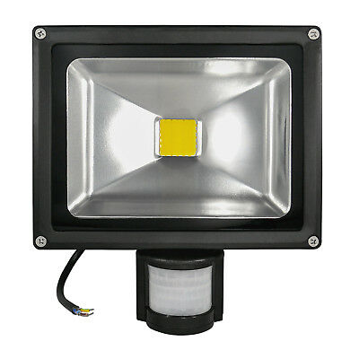 4X 50W LED Fluter mit PIR Bewegungsmelder AußenStrahler Warmweiß IP65 Flutlicht