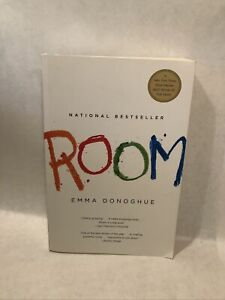 Room by Professor Emma Donoghue 9780316098328 Softcover