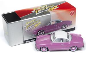 A.s.s nuevo Johnny Lightning 1//64 VW Karmann Ghia 1964 Collectors Tin garaje 2019