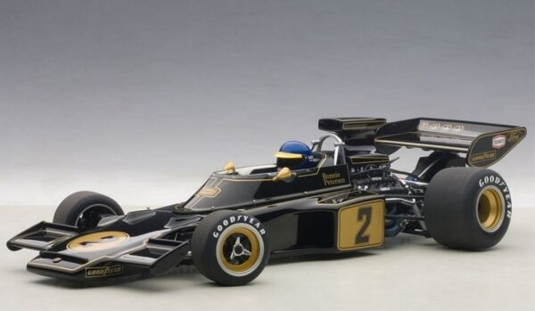 Lotus 72 e N. 2 Ronnie Peterson (with driver figurine) formula 1 1973