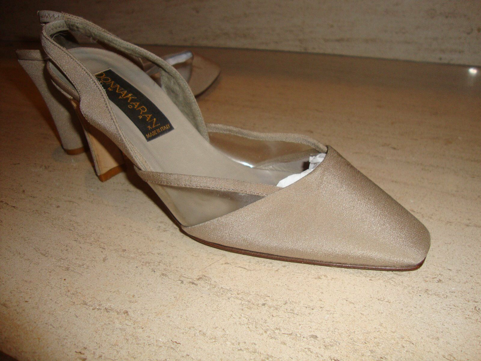 Sconto del 70% a buon mercato STYLISH AND RARE DONNA KARAN COLLECTION TAUPE SILK SILK SILK SLINGBACKS  Sconto del 40%