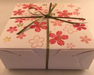 21pc japanese kitkat sakura gift box set kit kat cherry blossom image is loading 21pc japanese kitkat sakura gift box set kit negle Gallery