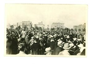 RPPC-Crowd-near-Capitol-Grounds-Watch-Parade-Washington-DC-late-1930s