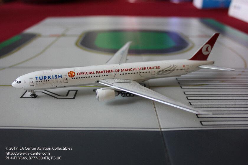 Phoenix Model Turkish Airlines  Boeing 777-300ER Manchester United Model 1 400  haute qualité et expédition rapide