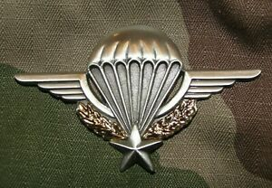 Insigne-de-poitrine-du-Brevet-Parachutiste-para-NEUF-Armee-Francaise