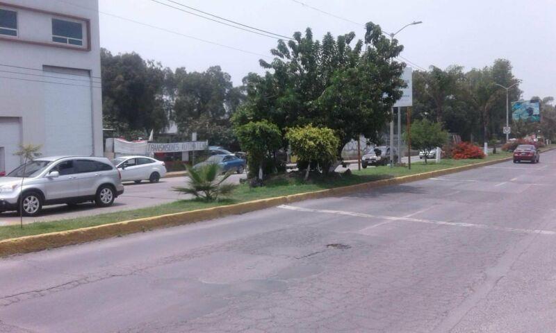 EDIFICIO COMERCIAL, MELCHOR OCAMPO MEX