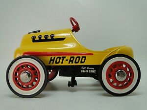 Pedal-Car-1940-Ford-Hot-Rod-Race-Vintage-Metal-Collector-READ-6-Inches-in-Length