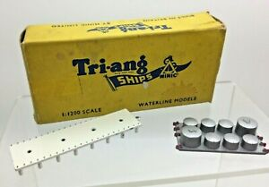 Vintage Triang Minic Ships Model M838 storage Tanks and M84 Pier Section + Box