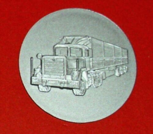 LKW //Truck´s Fernfahrer Plastik Emblem Versch Pokale Ehrungen