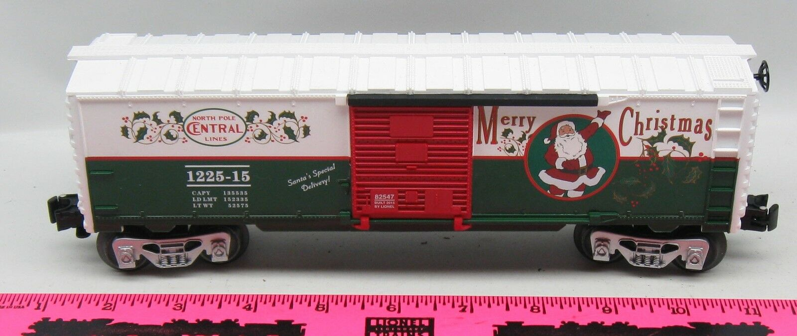 Lionel  82547 North Pole Central Lines Merry Christmas Boxcar 82545