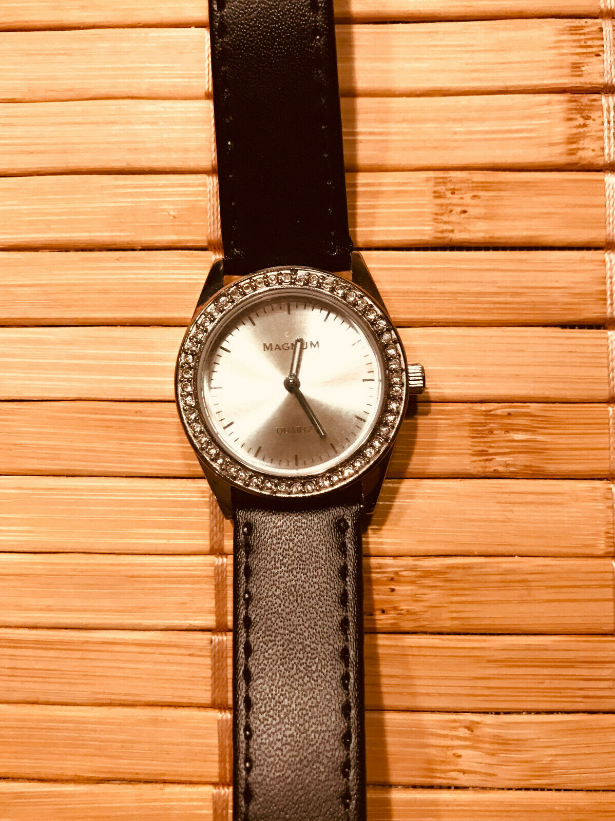 Magnum Stainless Steel Ladies Watch, Genuine Leather Band 16 MM, CHASSIS 29 MM
