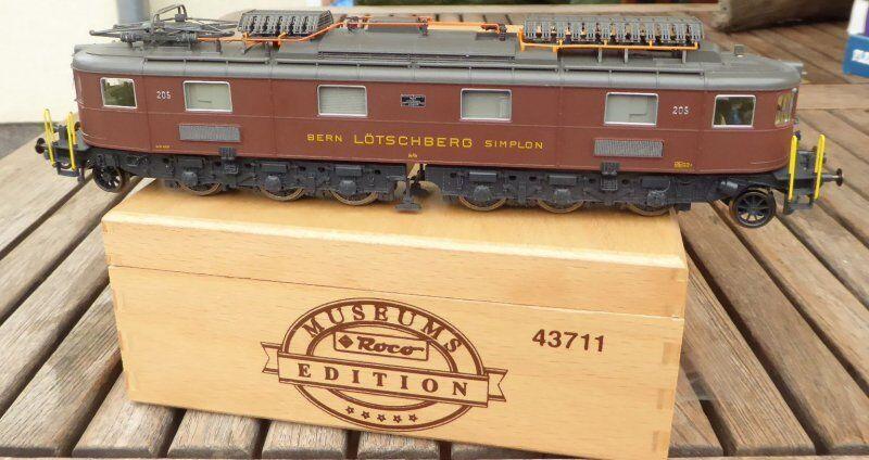 Roco 43711 Electric Locomotive AE 6 8 205 Der BLS Ep. 3 6 Museum Used Original