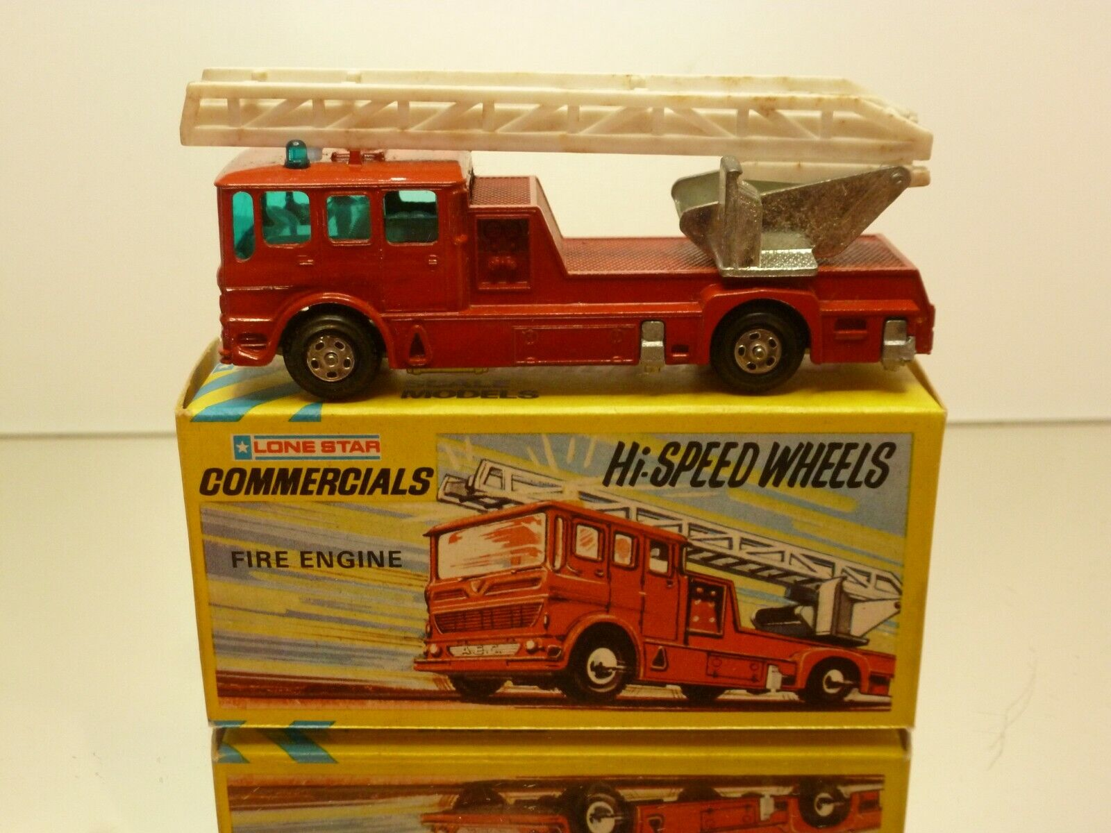 IMPY LONEStern 30 MERRYWEATHER FIRE ENGINE - rot L9.5cm - GOOD CONDITION IN BOX