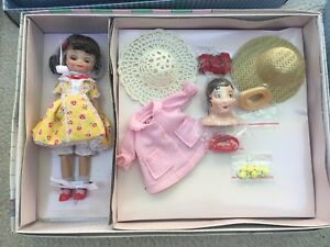 NRFB-Betsy-McCall-Millinary-Gift-Set