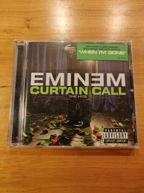Eminem: Curtain Call - The Hits, hiphop, CD i pæn stand.