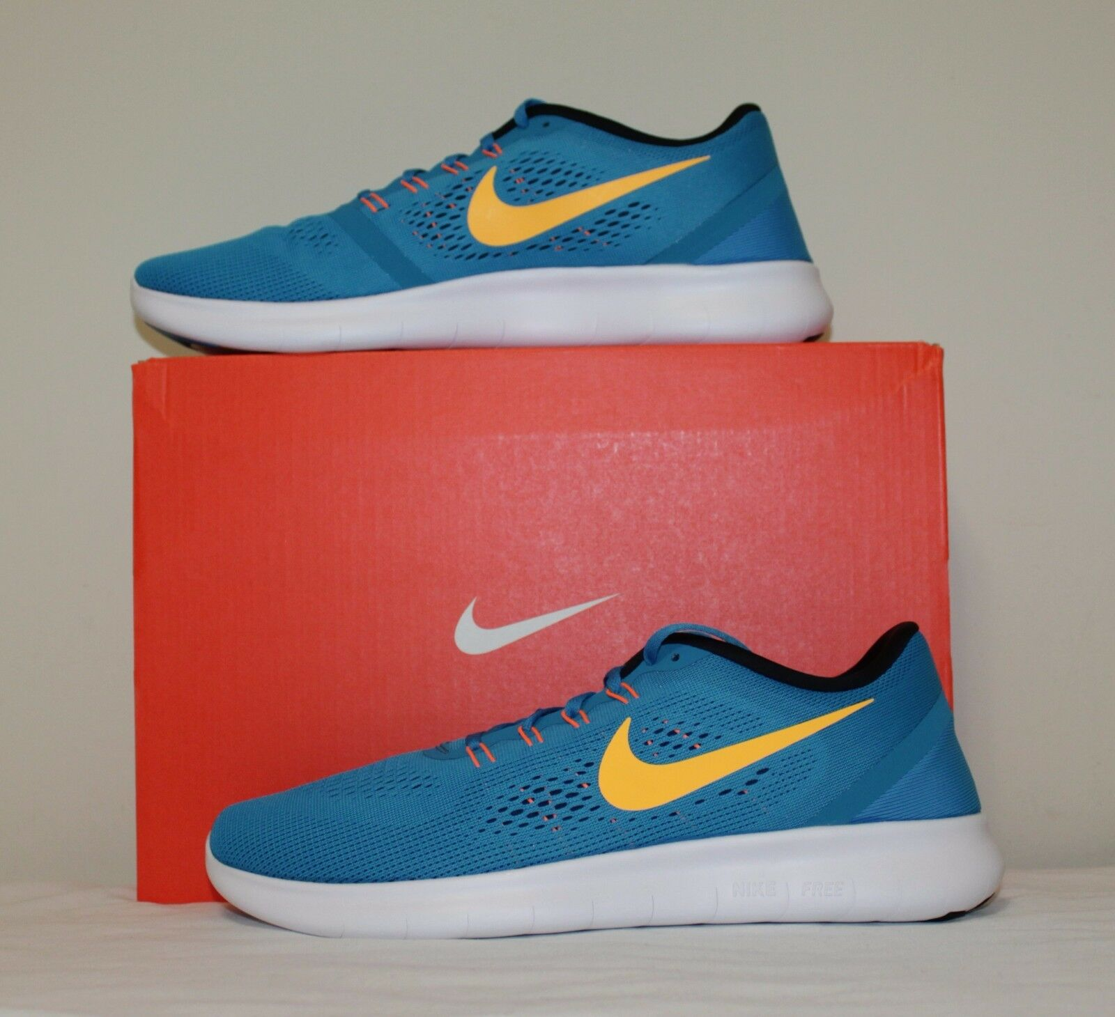 Nike Men Air Free running sneaker shoes size 11 new with box