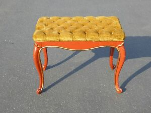 Vintage-French-Provincial-Red-Lacquer-Tufted-Gold-Velvet-Bench-Made-in-USA