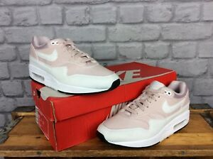 NIKE LADIES UK 5.5 EU 39 BARELY ROSE WHITE AIR MAX 1 LIGHTWEIGHT ... 62c409baf