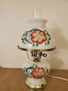 Vintage-Gone-With-The-Wind-Hurricane-Milk-Glass-Table-Lamp-blue-red-flowers