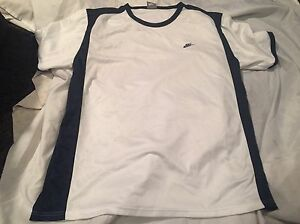 """Delicacies Loved By All white nice Shirt/clean athletic Shirt """"great Condition! Straightforward Nike men's Xl"""