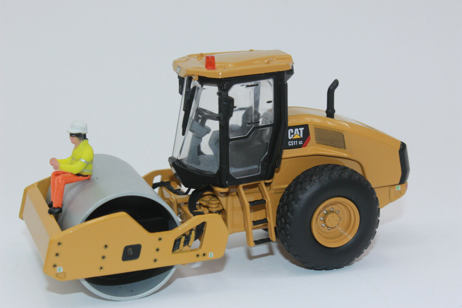 Diecast Masters 85589 Cat CS11 GC Walze  Caterpillar Neu in  OVP 1 50  | Perfekt In Verarbeitung