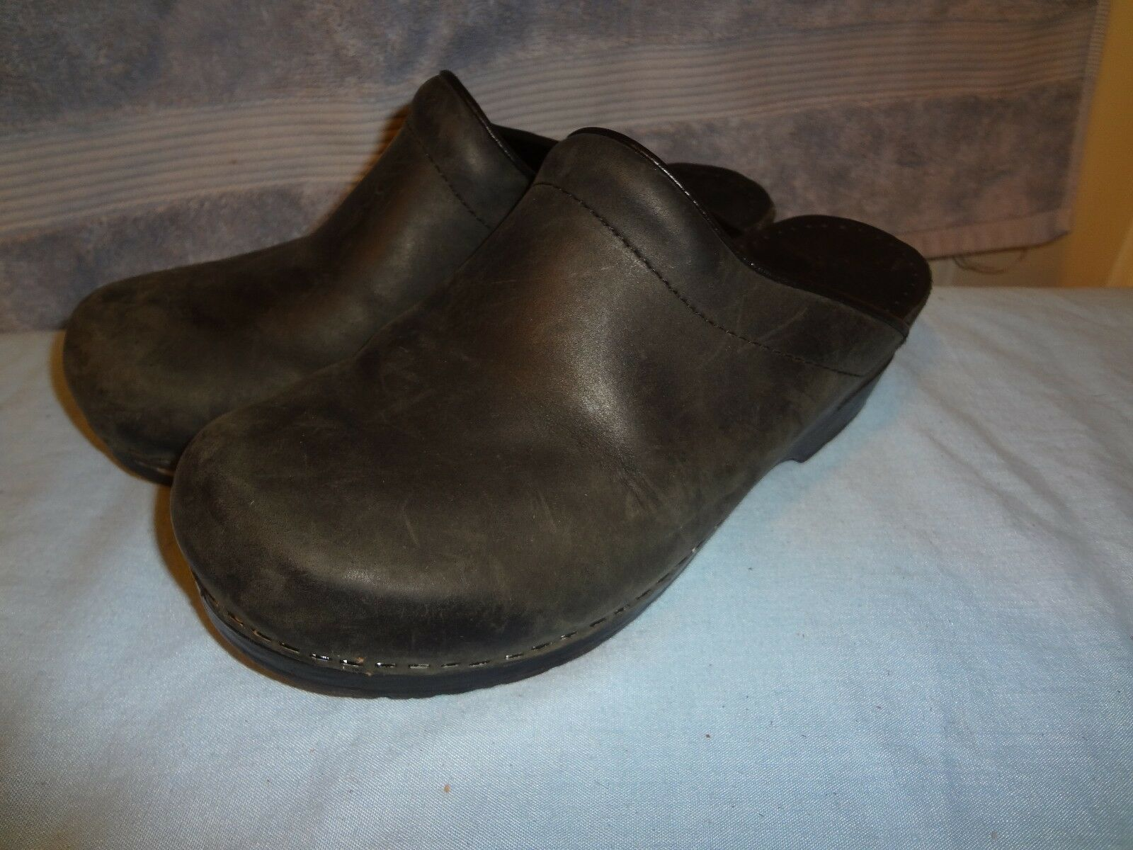 SANITA SLIP ON SIZE 38 US 7.5 BLACK #20