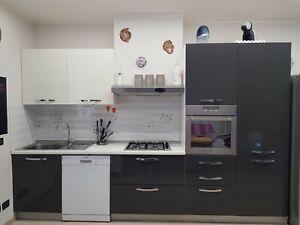 Cucina Moderna Completa Elettrodomestici.Cucina Moderna Lunga 3 30m Completa Di Elettrodomestici Escluso Forno E Frigo Ebay