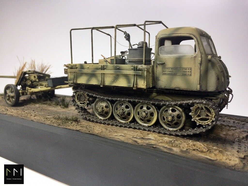 Diorama   WW2 Germany RSO transporter + Pak 40  1 35 - built and painted
