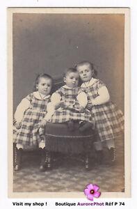 3-JEUNES-SOEURS-EN-POSE-VERS-1870-ENFANTS-FAMILLE-CDV-BARTHELEMY-a-NANCY-P74
