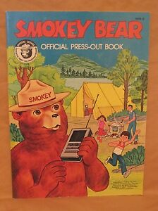 1979 SMOKEY BEAR OFFICIAL PRESS OUT PAPER DOLL BOOK CAMPING 3D SCENERY 1918-2