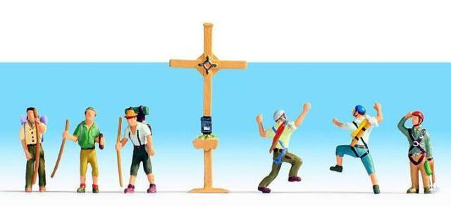 Figurines NOCH TT 45874: Mountain Hikers with Summit Cross