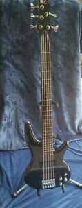 *Soundgear by Ibanez SDGR SR 305 DX Black 5 String Bass Guitar