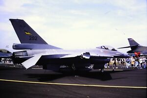 3-814-General-Dynamics-F-16-Fighting-Falcon-Royal-Norwegian-Air-Force-SLIDE