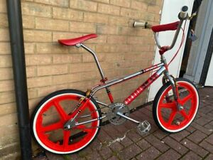SKYWAY-STREET-BEAT-REPLICA-Chrome-and-Red-Old-School-BMX-Bike-old-school