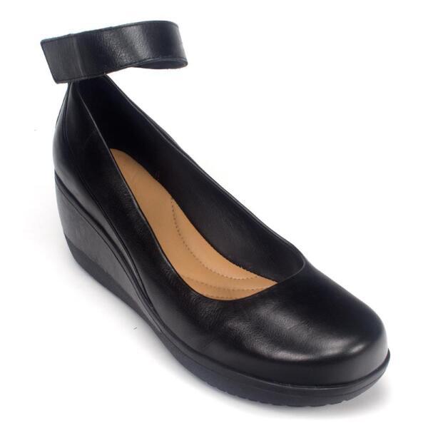 9bc5f2110a0 Clarks Womens Wynnmere Fox - Black Leather 9.5 Medium
