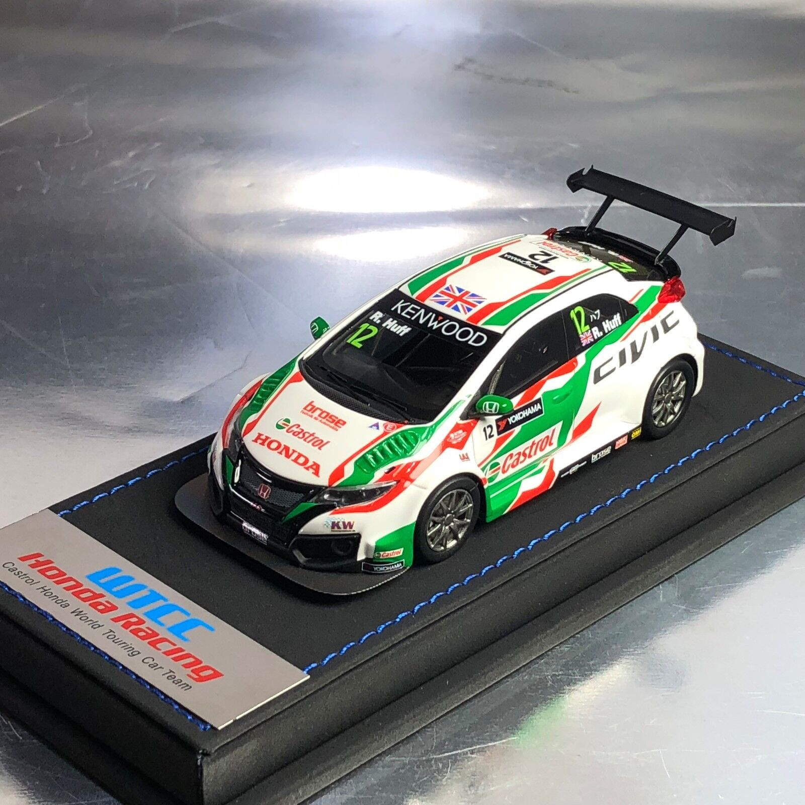 1 43 Mark Honda Civic Type R FK2 WTCC Castrol Touring Car JAS Robert Huff
