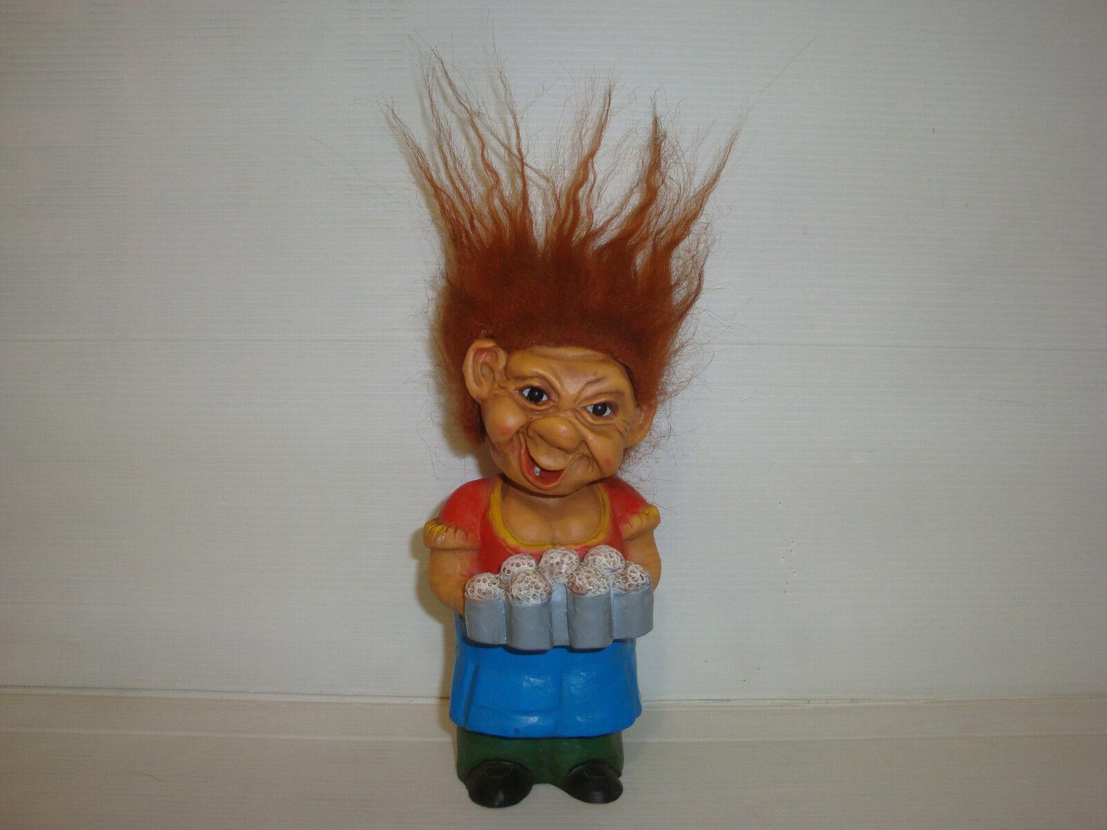 Figurine ancienne troll - vintage toy - Heico - serveuse de bières taverne