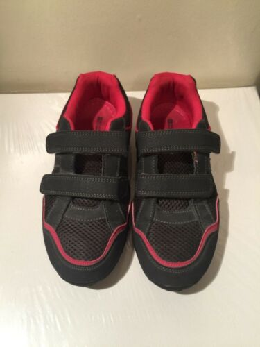 Mountain Warehouse womens walking shoes.Size 4 UK