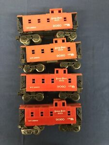 Lionel-Nickel-Plate-Road-9060-Caboose-Lot-4x