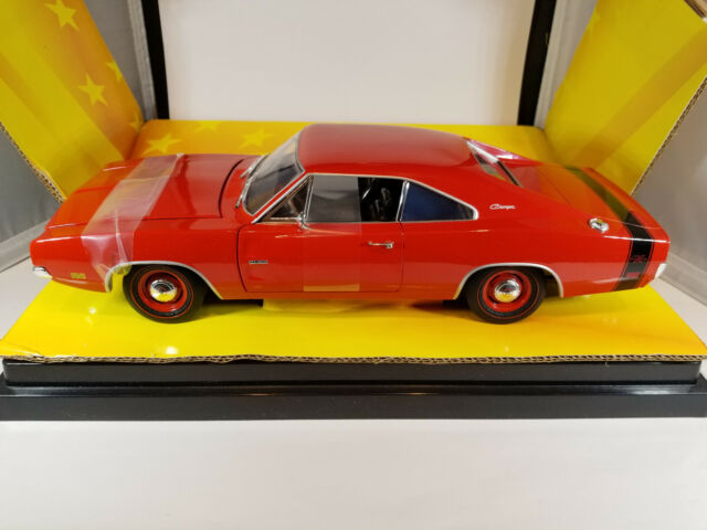 1969 Dodge Charger R/T. Road Signature 1:18. Used.