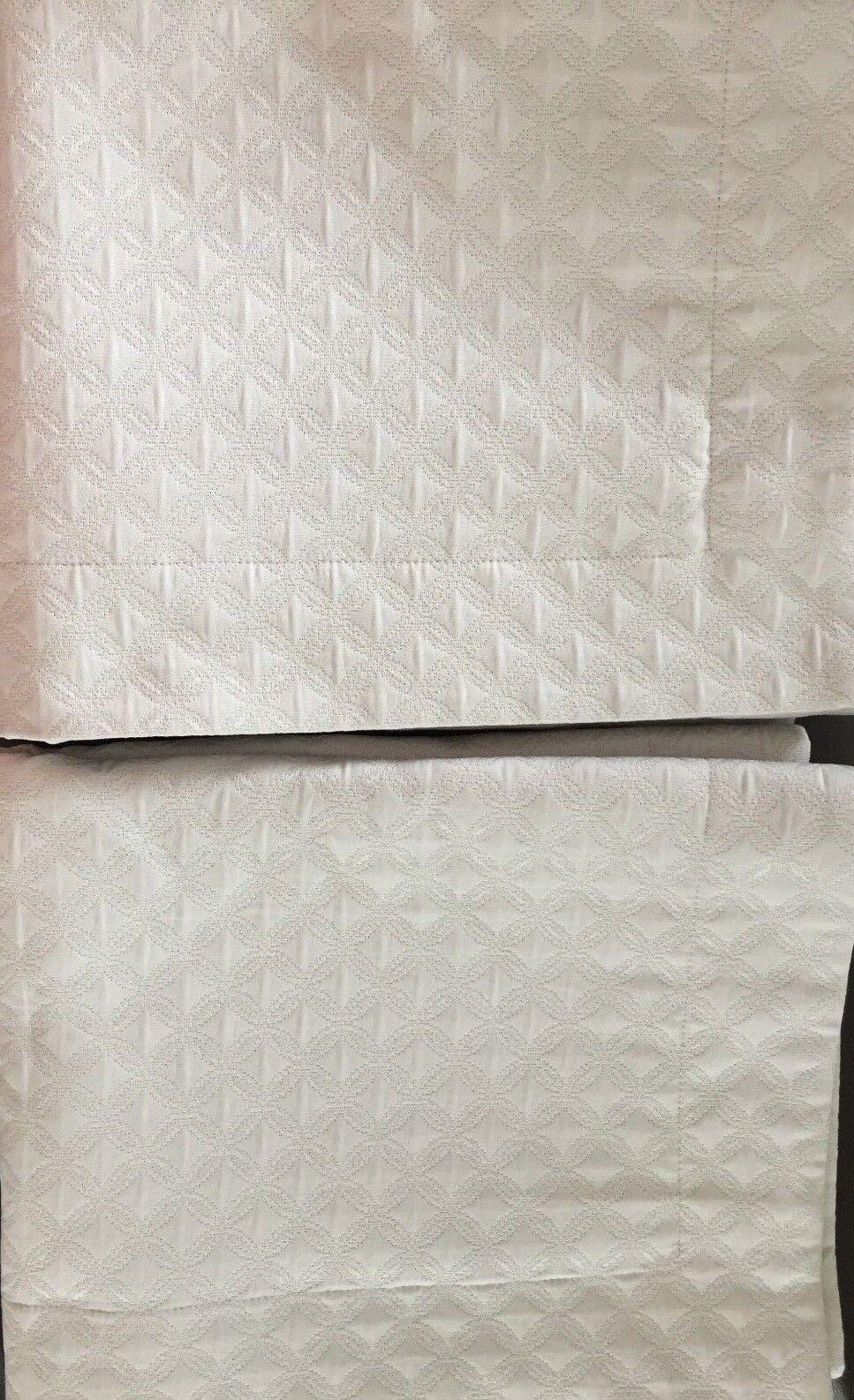2 pc Sferra CORRADO Dove Grey Standard Shams 21  x 26   Made In  Pristine