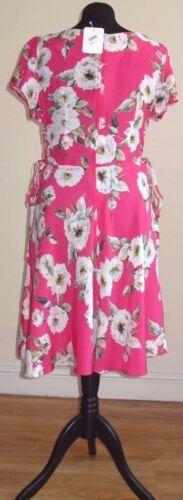 EX DOROTHY PERKINS K/&D LONDON Pink Floral Skater Dress Sizes 8-20