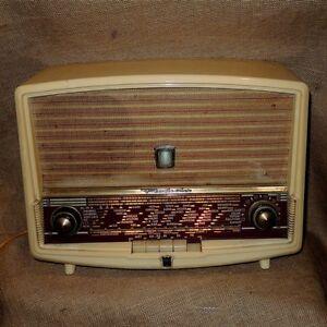 Bakelit-seltenes-Radiola-RA-467-A-1956-Kurzwellenradio-kein-Ukw