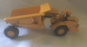 Miniature-die-cast-metal-Joal-n-222-camion-de-chantier