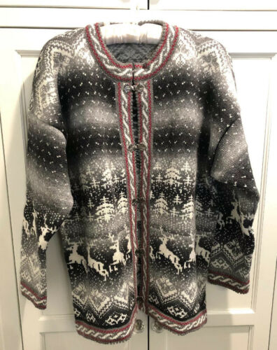 Nordic Print Cardigan Sweater Pewter Like Clasps W