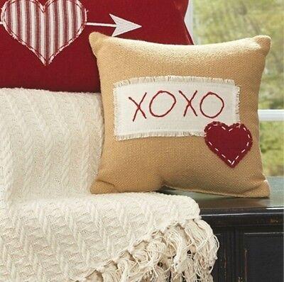 COUNTRY HEART LOVE SAYING TOSS CUSHION VALENTINE KISSES /& HUGS XOXO PILLOW