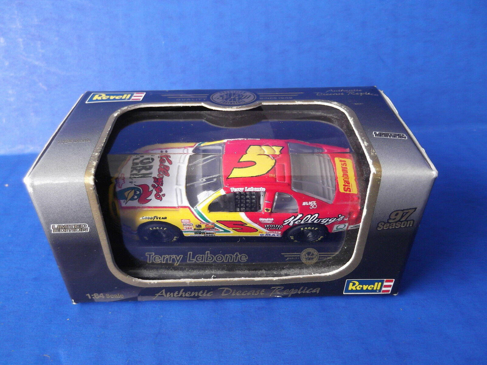 REVELL TERRY LABONTE KELLOGGS CORN FLAKES  64 SCALE DIE CAST
