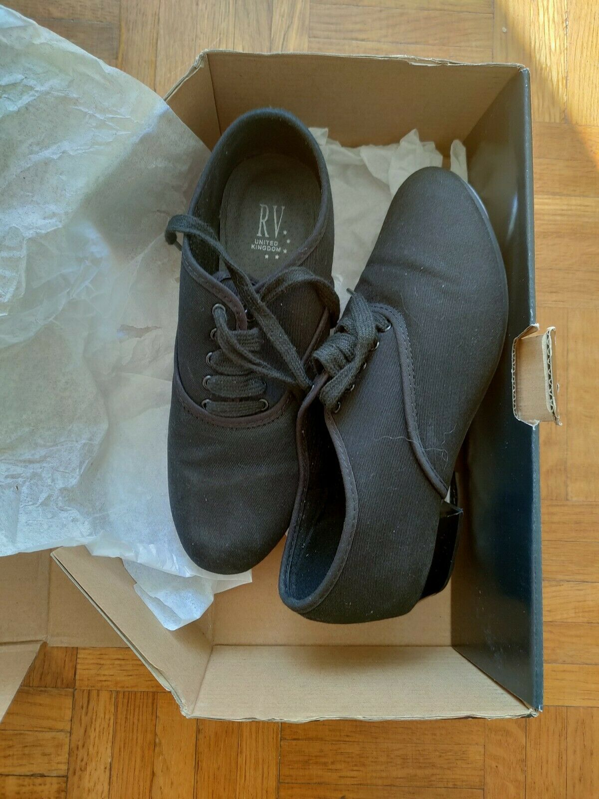 ROCH VALLEY BOYS CANVAS OXFORD TAP SHOES WITH FITTED TOE TAPs size 4